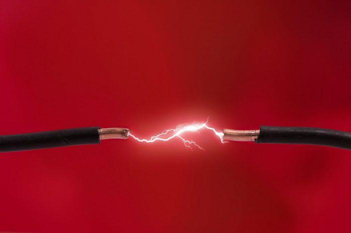короткое замыкание электроцепи