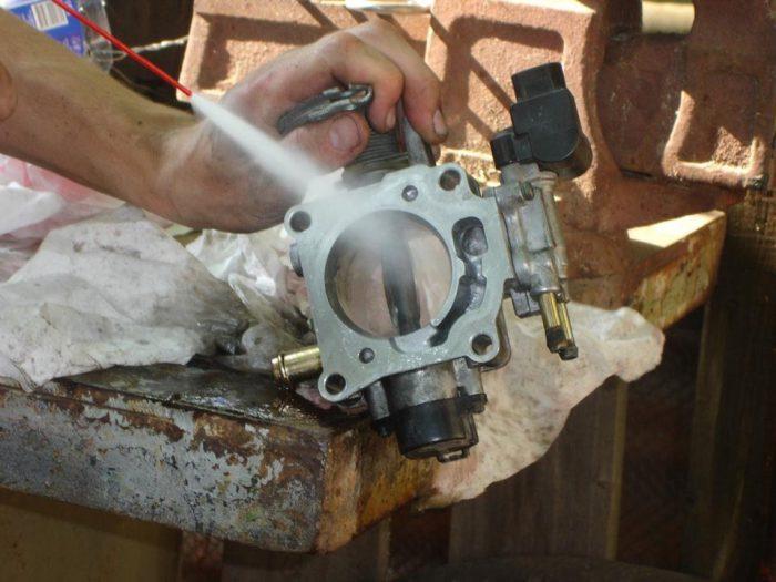 Дроссельная заслонка: устройство, чистка и ремонт