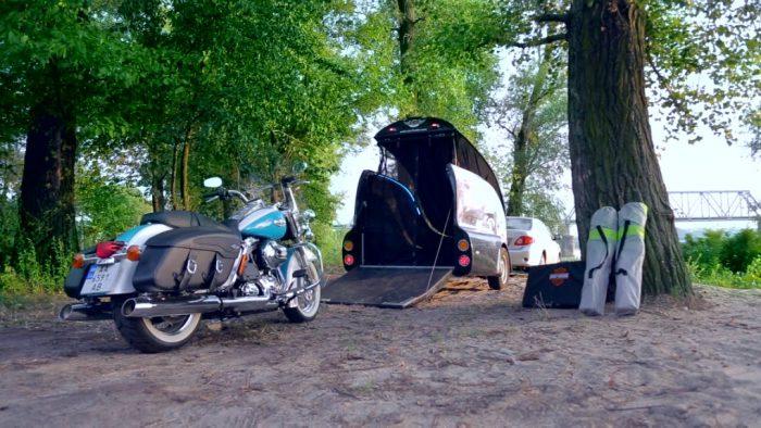 закрытый прицеп для мотоцикла