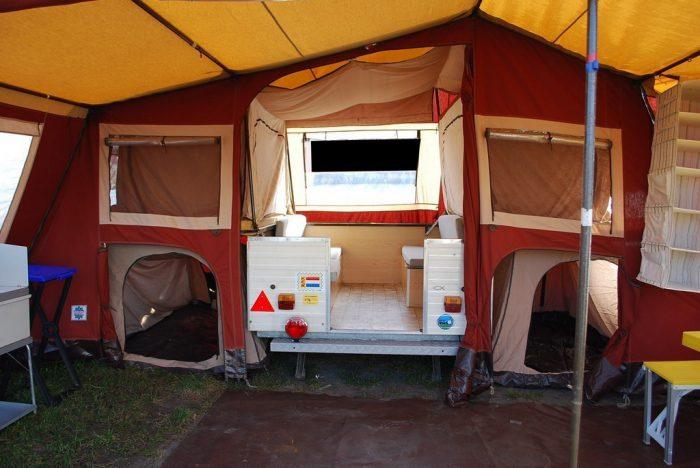 прицеп палатка внутри