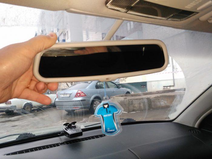 снять зеркало заднего вида