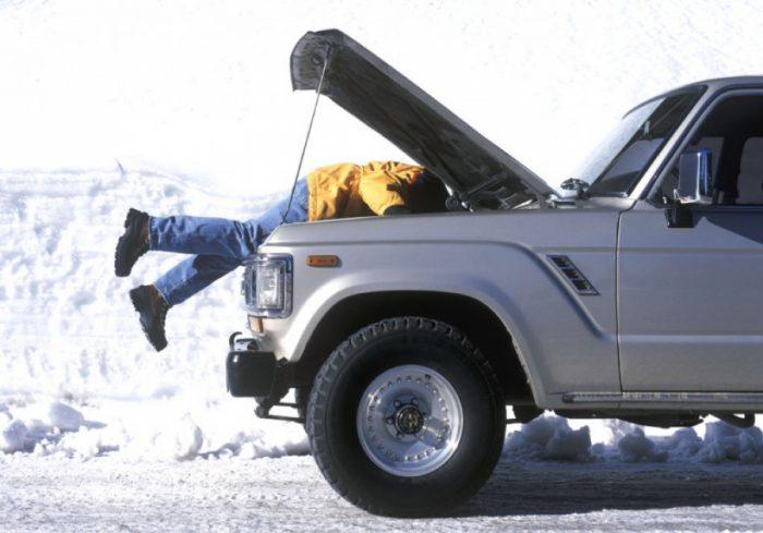 Как проверить исправность автомобильного аккумулятора