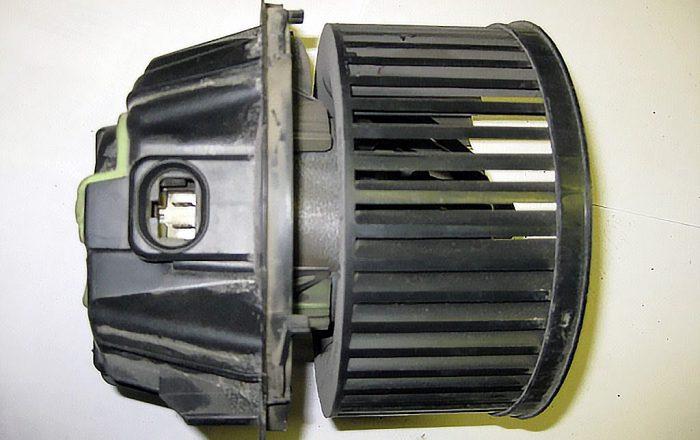 моторчик печки логан
