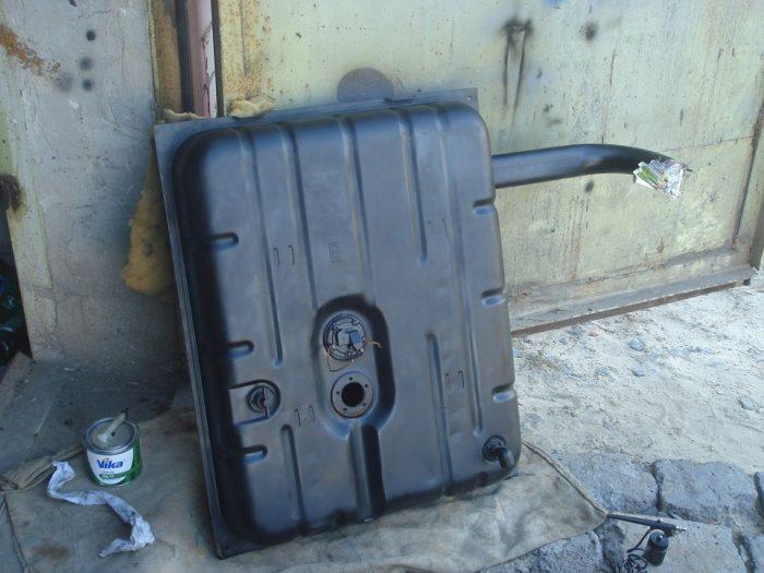 снять топливный бак удалить воду