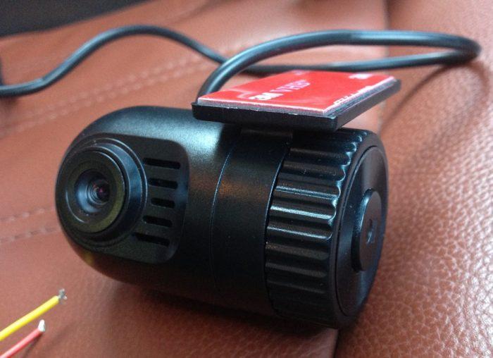 bez-displeya-videoregistrator-e1548875160818