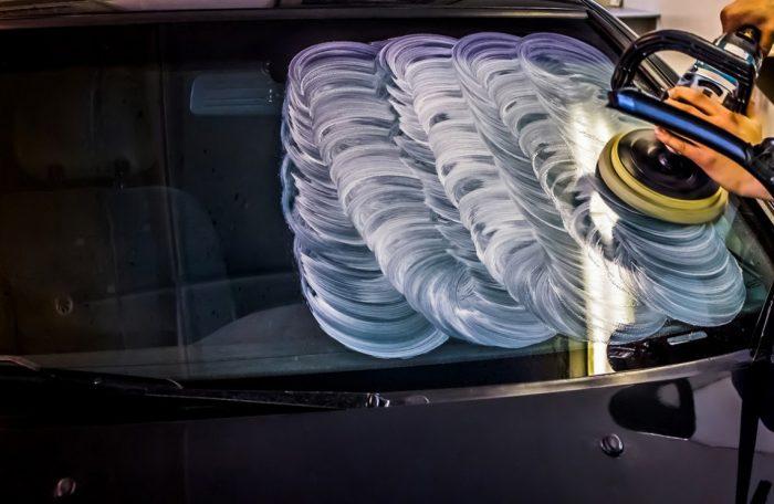 процедура полировки лобового стекла