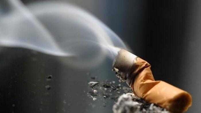сигареты в салоне