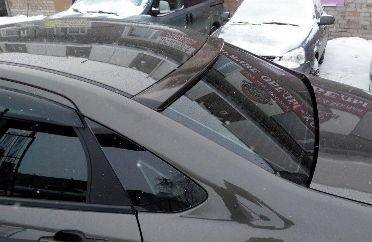 сзади дефлектор авто