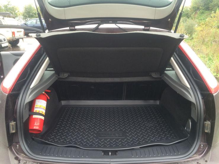 багажник фокус