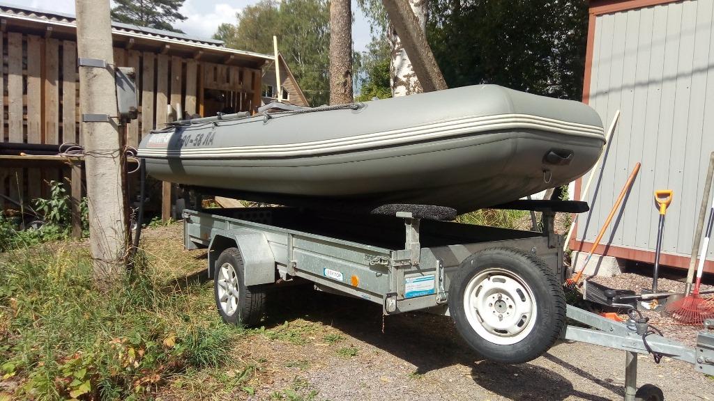 Как переделать прицеп под перевозку лодки своими руками